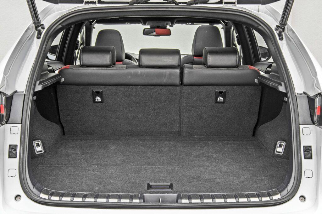 Lexus NX - bagażnik