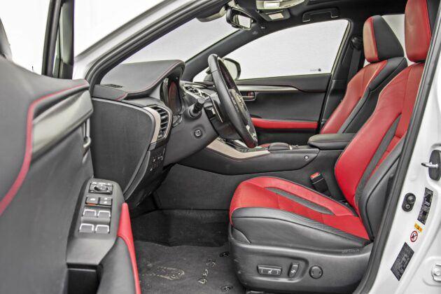 Lexus NX - fotele przednie