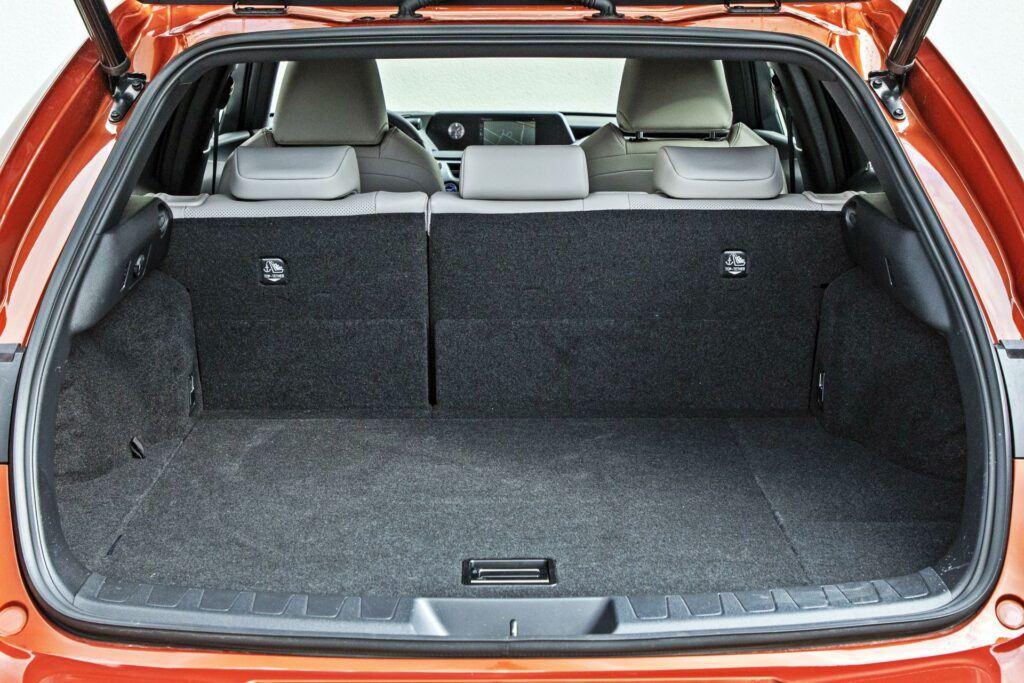Lexus UX 250h - bagażnik