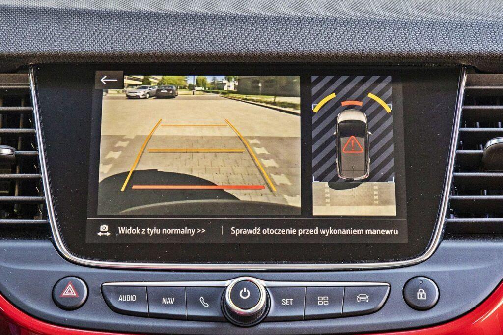 Opel Crossland - kamera cofania