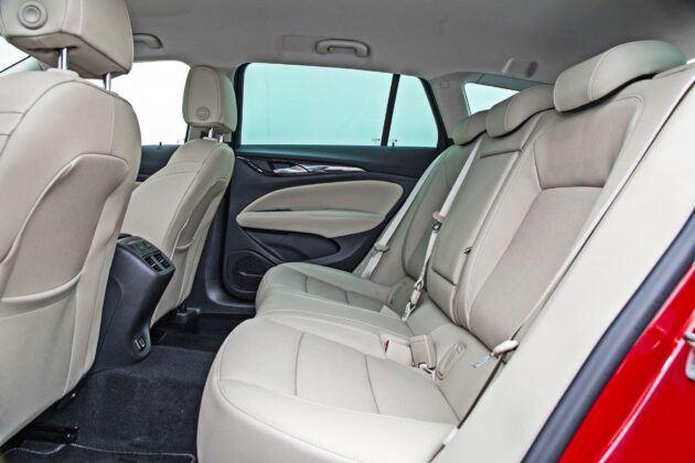 Opel Insignia Sports Tourer - tylna kanapa