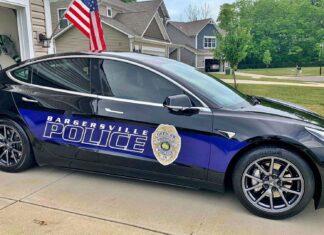 Tesla Model 3 doceniona przez amerykańską policję. Sprawdź dlaczego