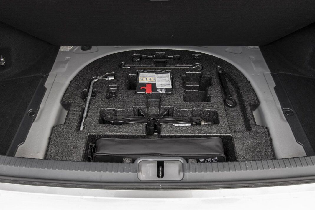 Lexus ES 300h F Sport Edition test 2020 - bagażnik