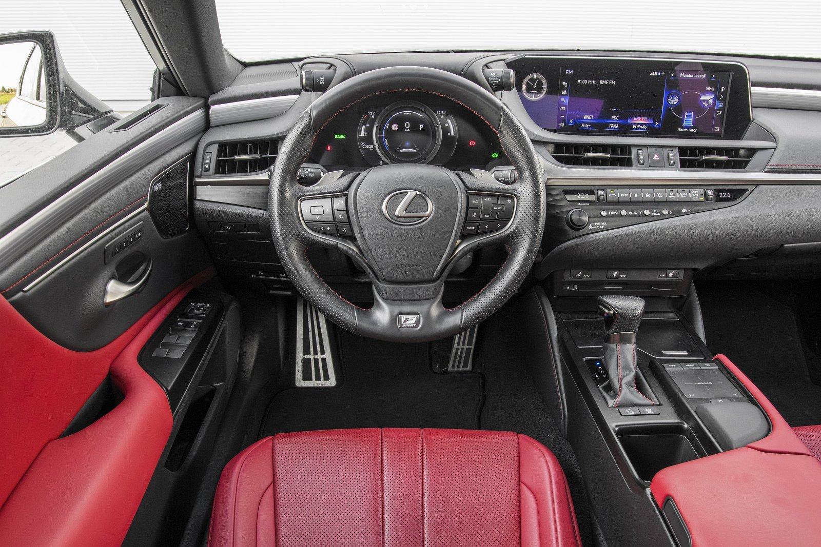 Lexus ES 300h F Sport Edition test 2020 - deska rozdzielcza kokpit