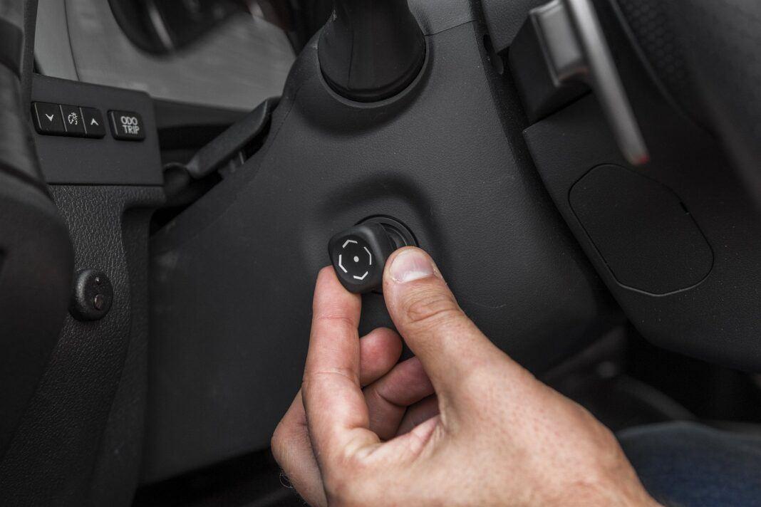Lexus ES 300h F Sport Edition test 2020 - elektryczna regulacja kierownicy