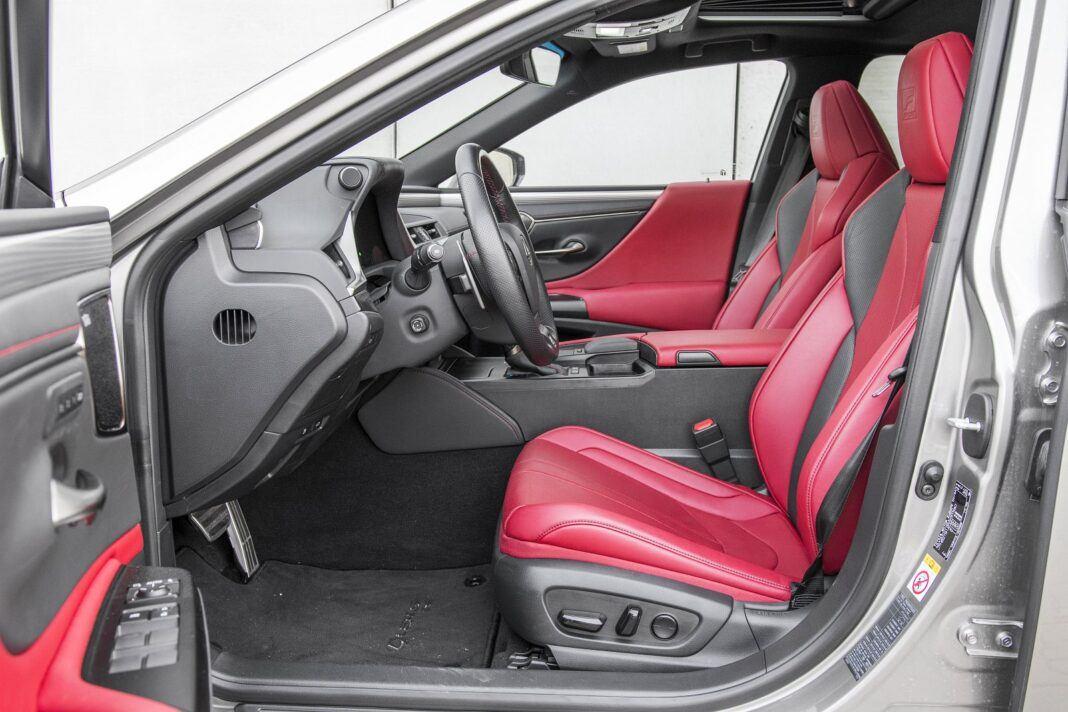 Lexus ES 300h F Sport Edition test 2020 - przednie fotele