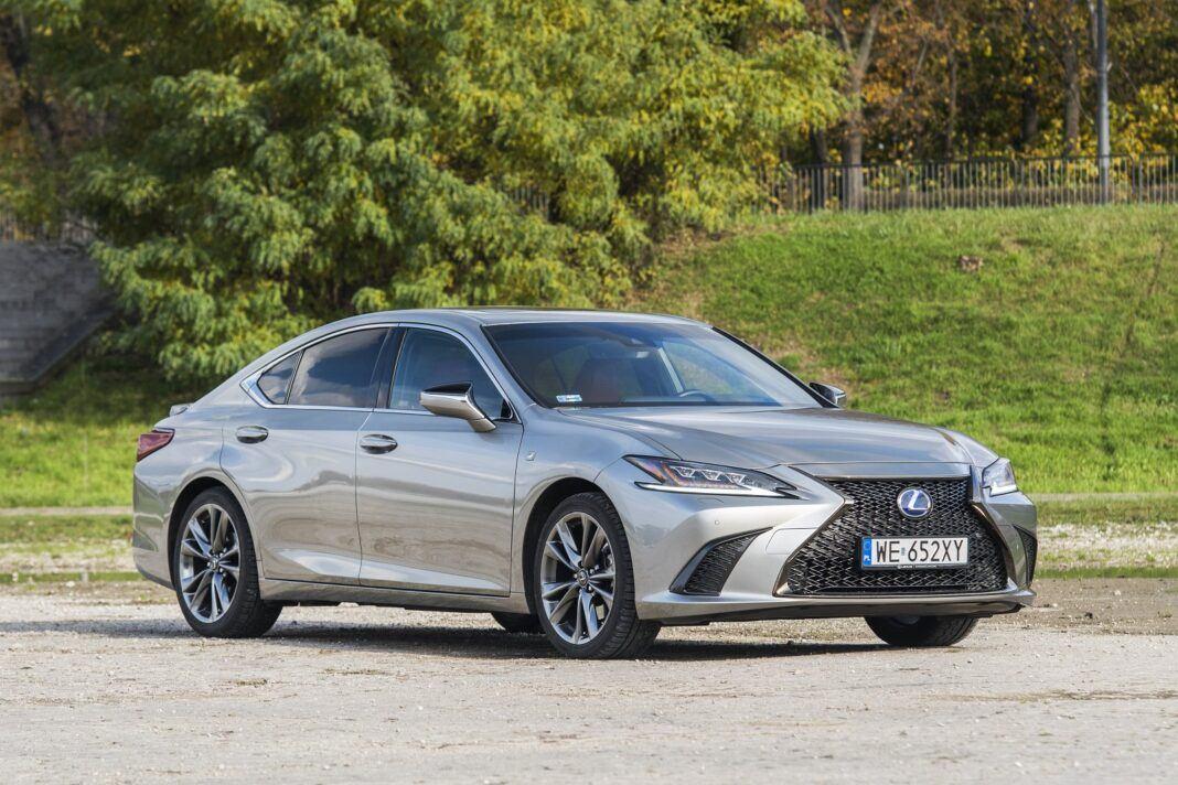 Lexus ES 300h F Sport Edition test 2020 - przód