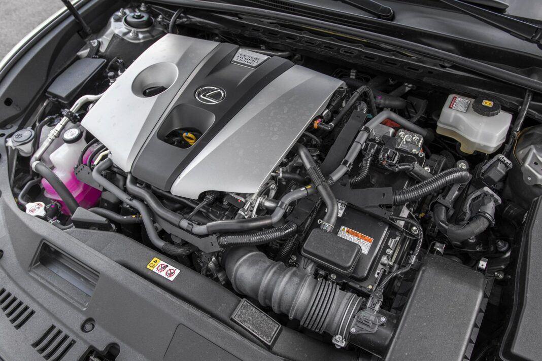 Lexus ES 300h F Sport Edition test 2020 - benzynowy wolnossący silnik o poj. 2,5 l