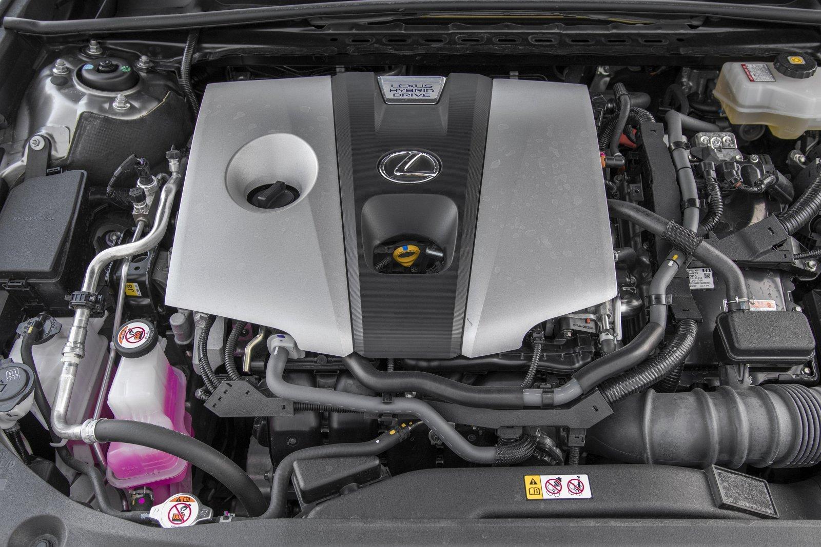 LEXUS ES 300h VII F-Sport 2.5 218KM AT CVT FWD WE652XY 10-2020