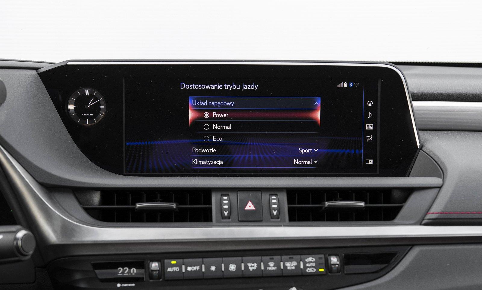 Lexus ES 300h F Sport Edition test 2020 - system multimedialny 03
