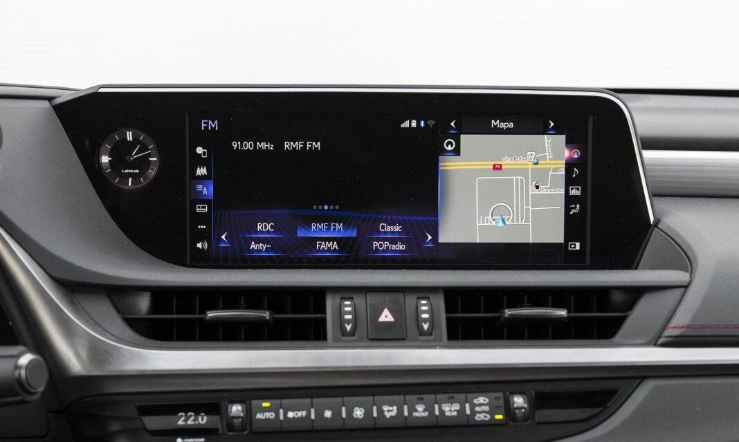 Lexus ES 300h F Sport Edition test 2020 - system multimedialny 04