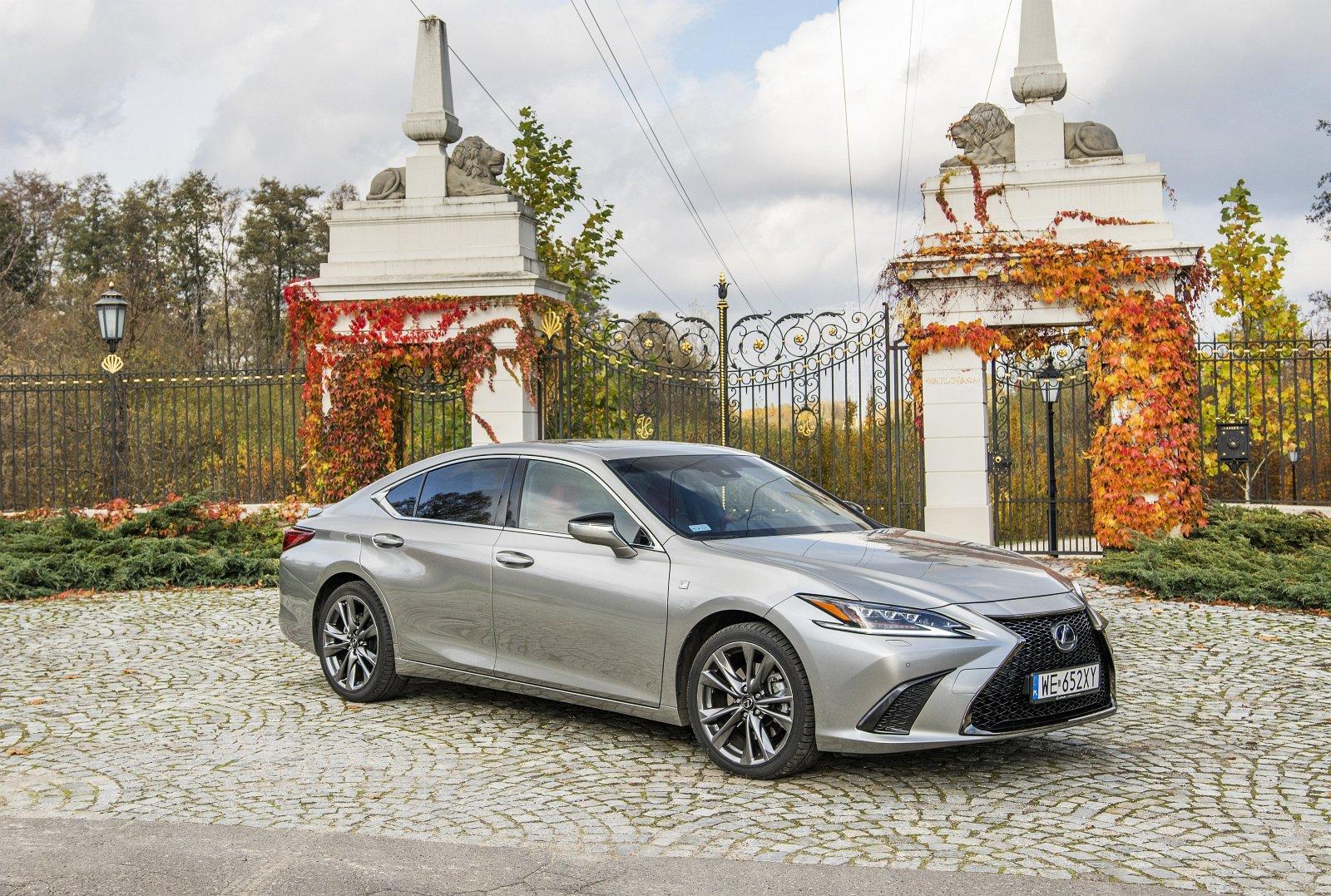 Lexus ES 300h F Sport Edition test 2020