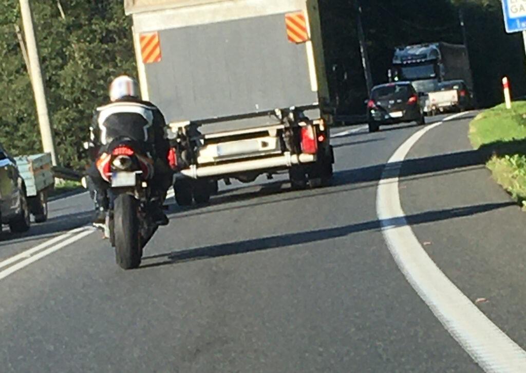 Motocykl zdjecie z fotoradaru
