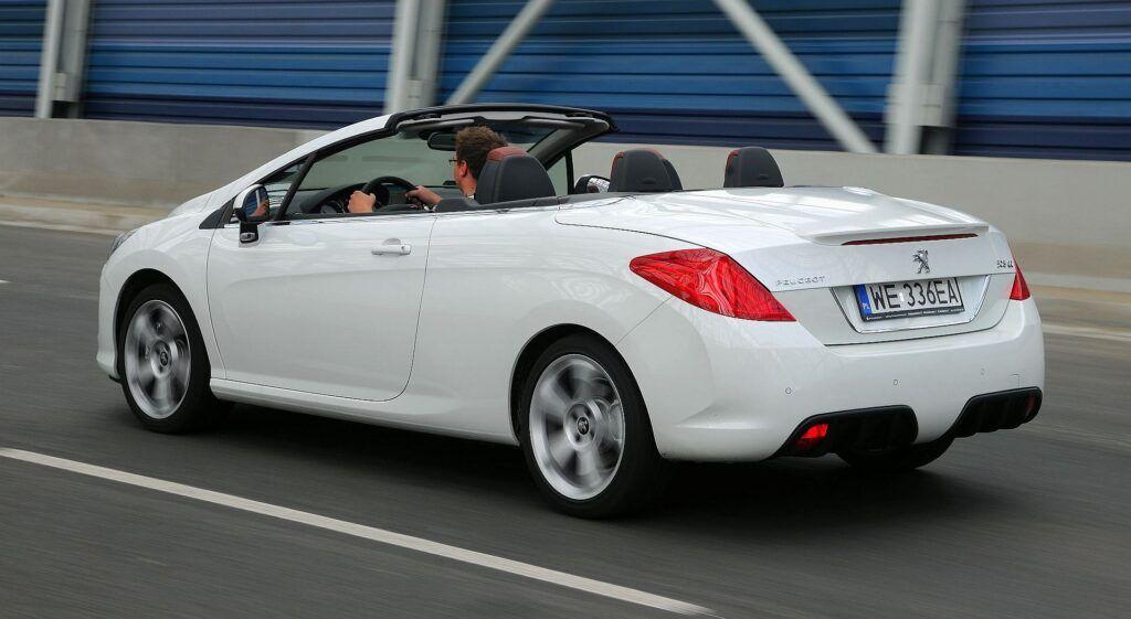 Peugeot 308 01