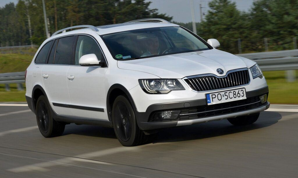 Skoda Superb II i Superb III 01
