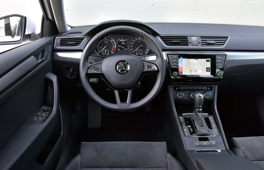 Skoda Superb II i Superb III 21