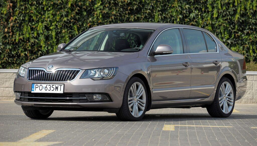 Skoda Superb II i Superb III 14
