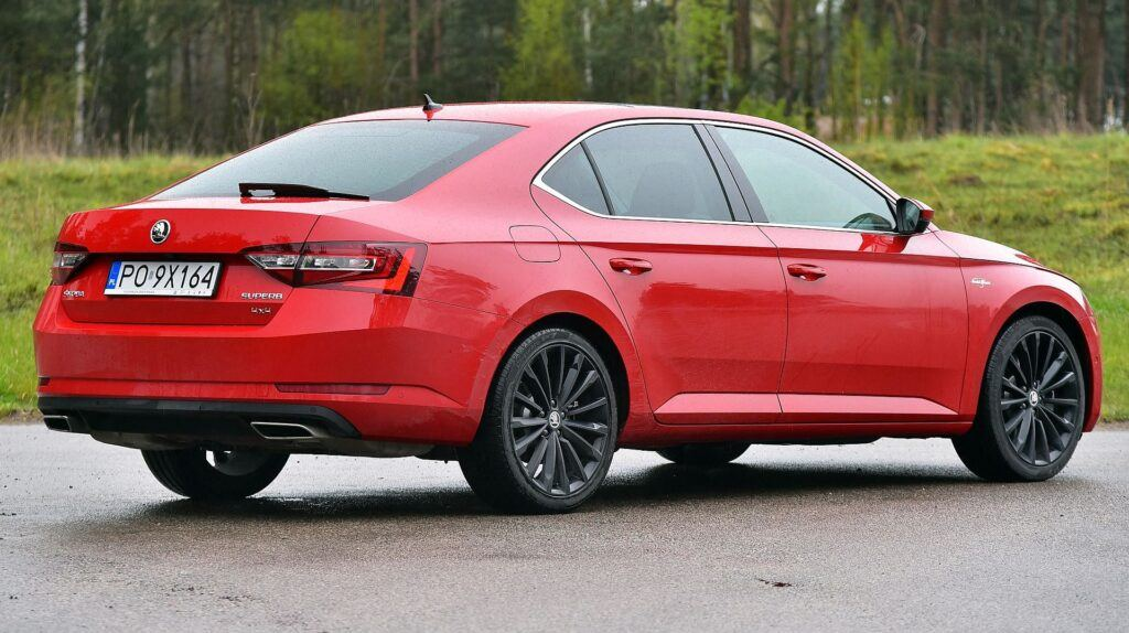 Skoda Superb II i Superb III 16