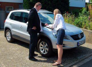 Umowa kupna-sprzedaży samochodu (polsko-niemiecka). Jak kupić auto w Niemczech?