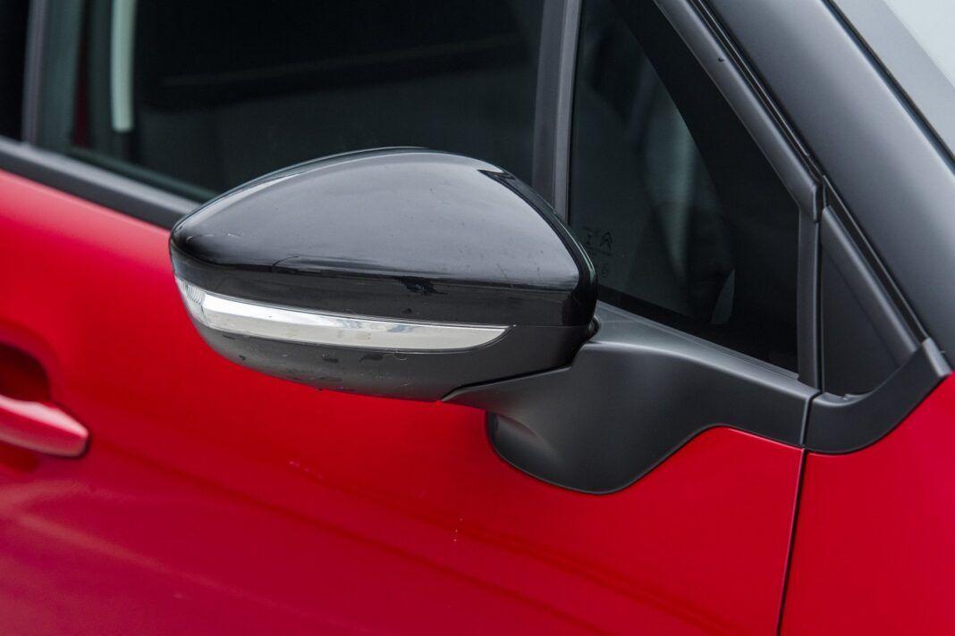 Citroen C3 1.2 PureTech 110 po liftingu - personalizacja obejmuje także lusterka boczne