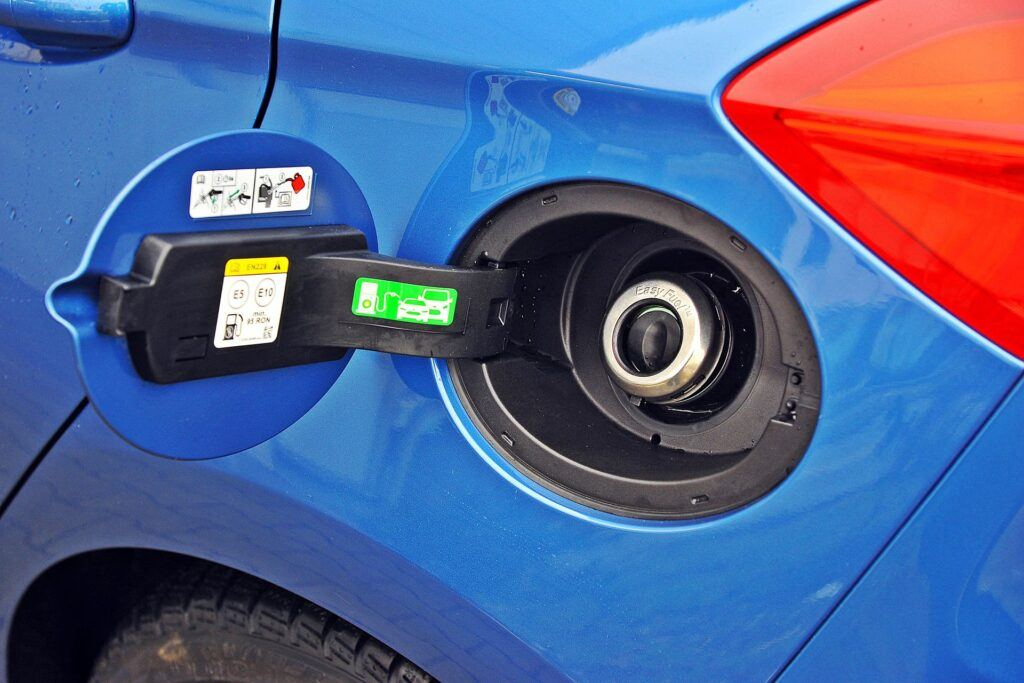 Ford Fiesta ST - wlew paliwa