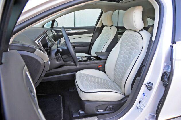 Ford Mondeo Hybrid Sedan (2020)