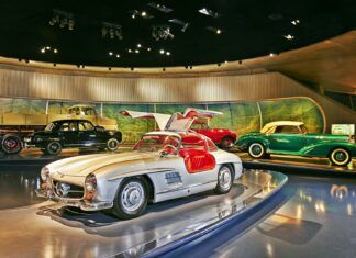 Wirtualna wycieczka po muzeum Mercedesa