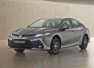 Toyota Camry Hybrid po liftingu – co się zmieniło?