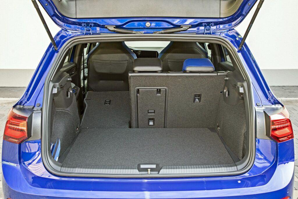 VW Golf R - bagażnik