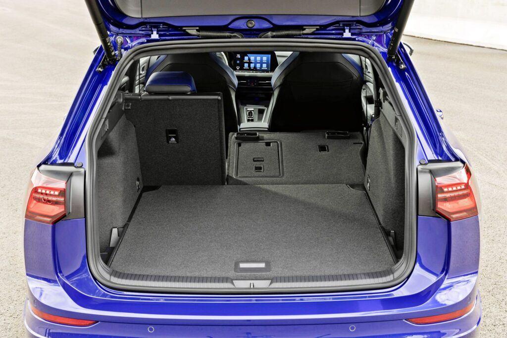 VW Golf R Variant - bagażnik