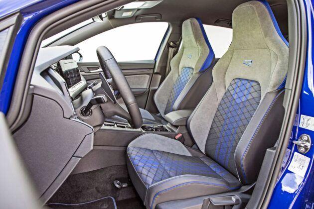 VW Golf R - fotele przednie
