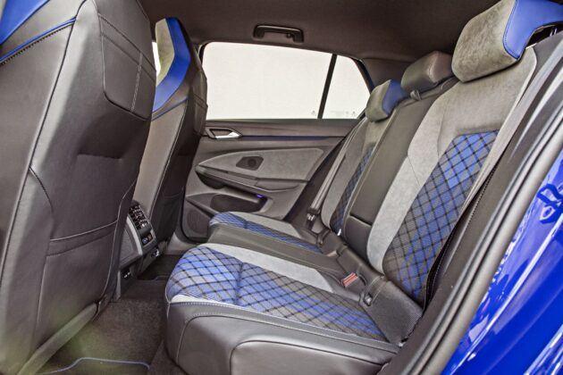 VW Golf R - tylna kanapa