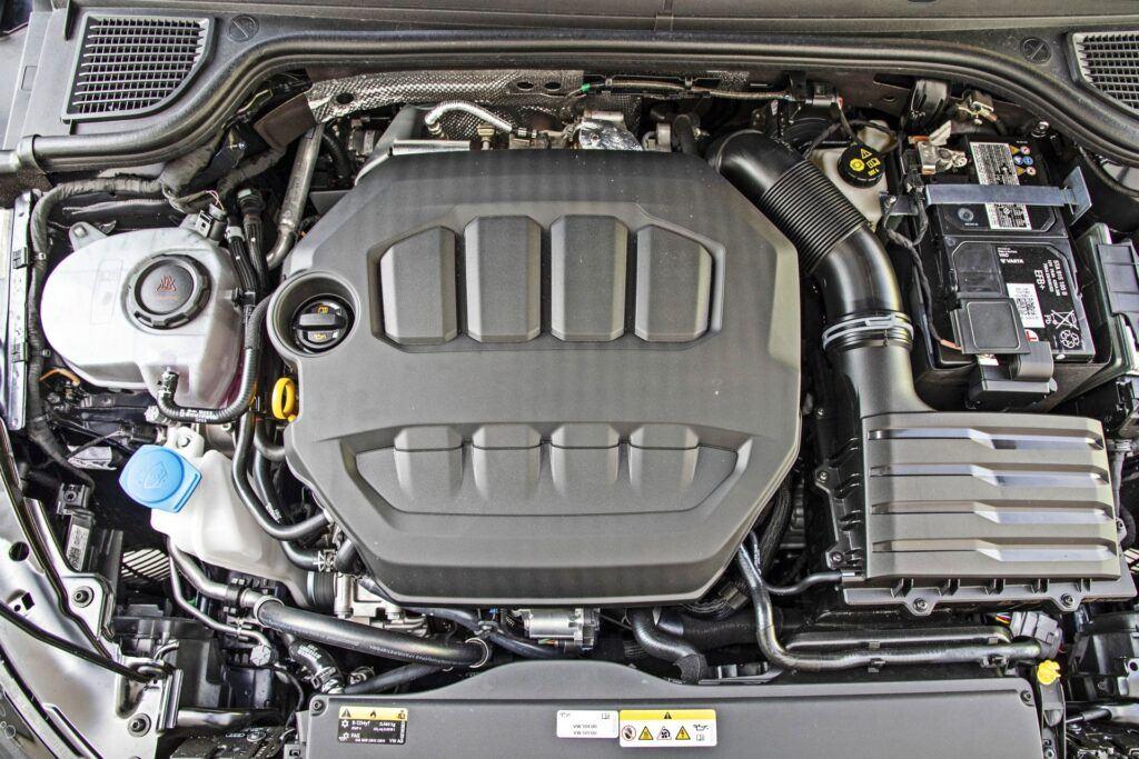 VW Golf R - silnik