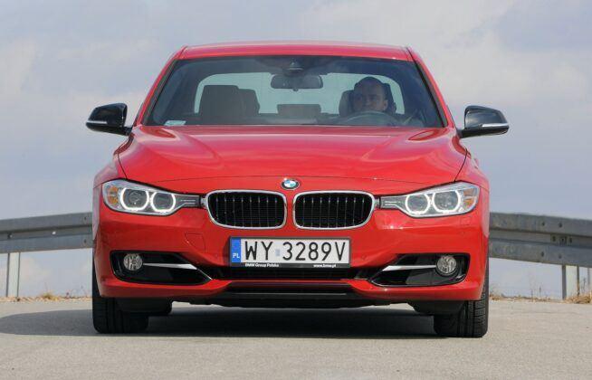BMW 328i F30 Sport 2.0T 245KM 8AT WY3289V 03-2012