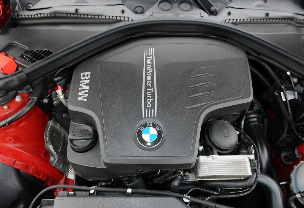 BMW 328i F30 Sport Line 2.0T 245KM 8AT WY3289V 02-2012