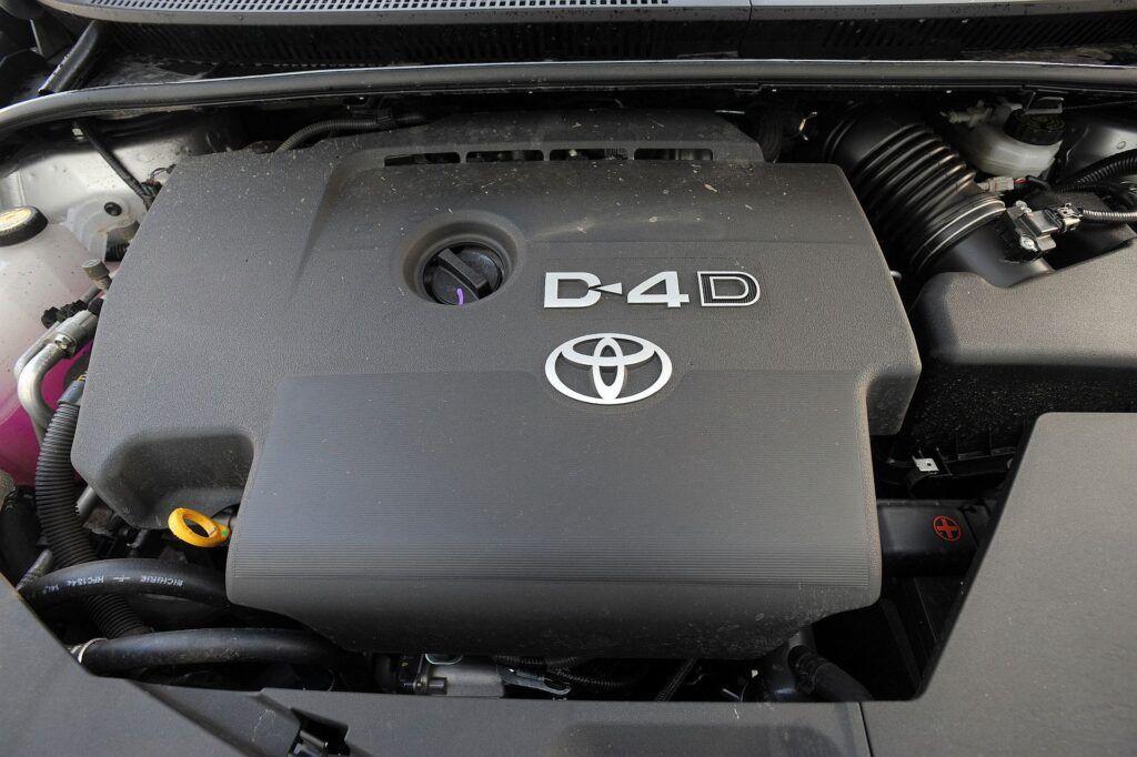 Toyota Avensis III 02