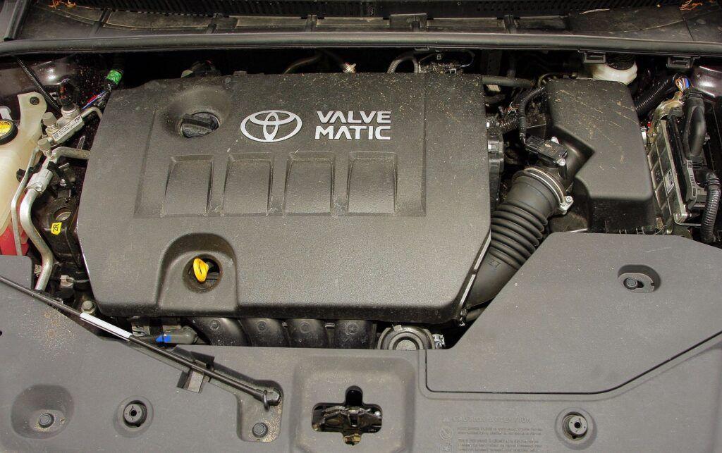 Toyota Avensis III 06
