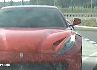 """219 km/h na autostradzie kosztowało go 5000 zł i utratę """"prawka"""""""