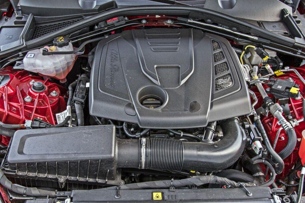Alfa Romeo Giulia - silnik