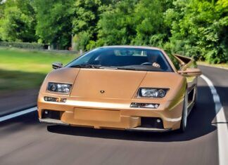 Lamborghini Diablo ma już 30 lat – historia modelu