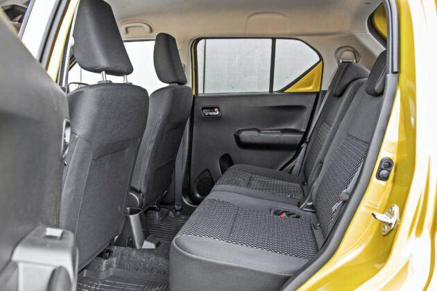 Suzuki Ignis - tylna kanapa