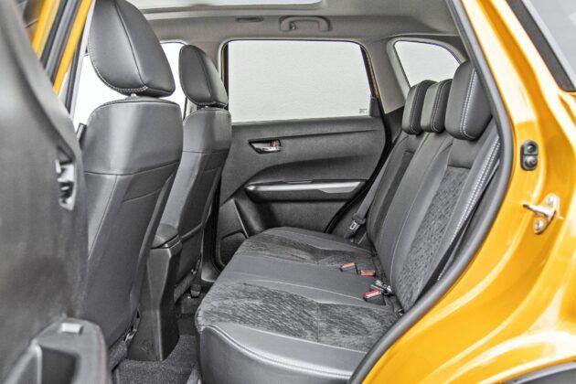 Suzuki Vitara Hybrid - tylna kanapa