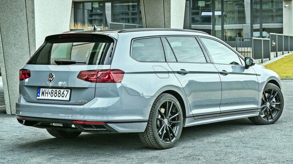 VW Passat Variant - tył