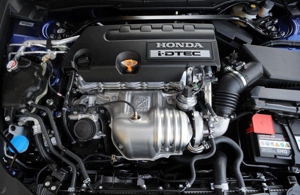 HONDA Accord VIII Kombi 2.2d i-DTEC 150KM 6MT RX08AOV 04-2008