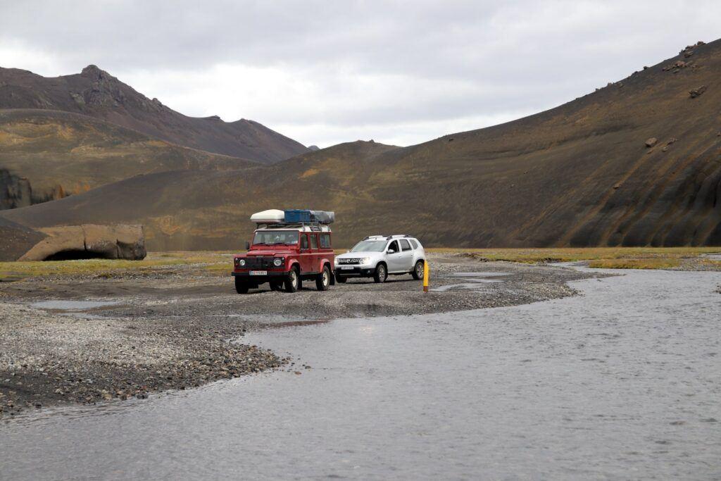 Dacia Duster na Islandii - przejeżdżanie rzek