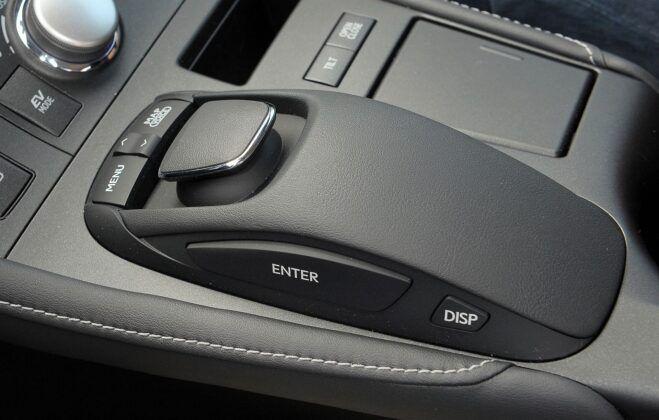 LEXUS CT 200h Prestige 1.8 136KM AT e-CVT WE2455V 03-2011