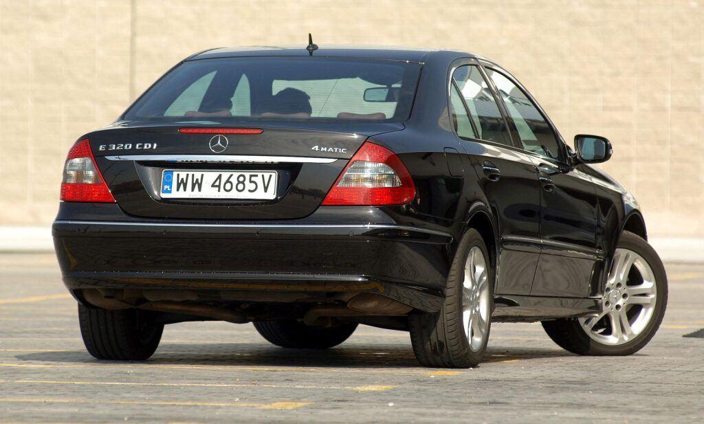 Mercedes klasy E (W211) 01