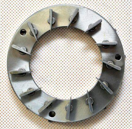 Turbosprężarka ze zmienną i stałą geometrią 02