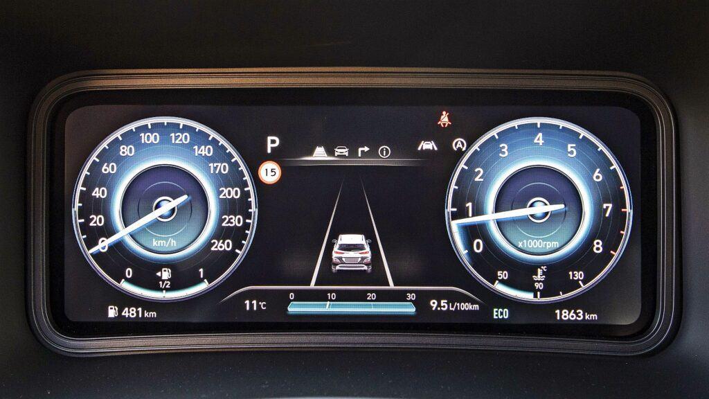 Hyundai Kona - cyfrowe zegary