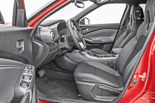 Nissan Juke - fotele przednie